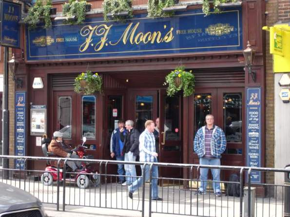 J.J. Moon's Tooting